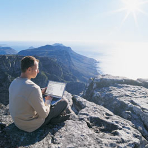 El 72% de los usuarios accede a las redes sociales cuando está de viaje