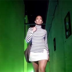 Jennifer López presume de piernas en la nueva campaña de Gillette Venus