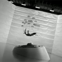 Audi echa mano del surrealismo en un spot del nuevo A1