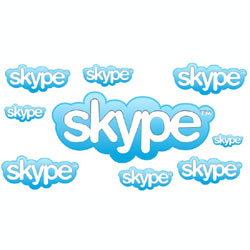 Facebook y Google cortejan a Skype