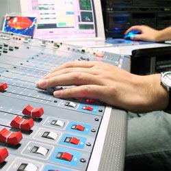 La radio es el medio con mayor presencia en las redes sociales en España
