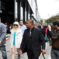 La agencia PHD pasea dobles de Britney Spears por la calle
