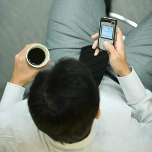 """El 76% de los internautas españoles se """"enchufa"""" a la red mediante los dispositivos móviles y las tabletas"""