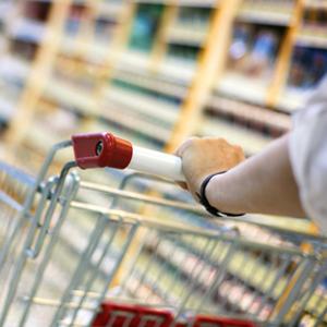 El gran consumo se contrajo 340 millones de euros en el primer trimestre del año por el paro, según Kantar