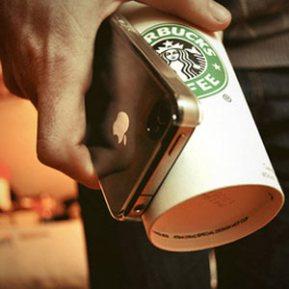 """Ser cliente de Starbucks tiene premio: 15 noticias gratis de """"The New York Times"""" al día"""