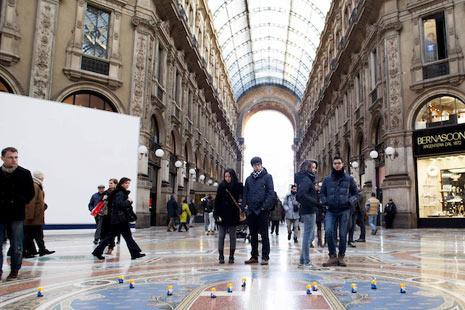 Un ejército de diminutos y adorables gnomos invade Milán en una divertida acción publicitaria