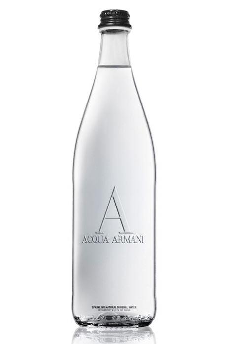 """Armani se hace """"comestible"""" y comienza a vender comida y bebida con su marca"""