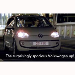 Un spot de Volkswagen muestra los impedimentos de ser alta con mucho encanto