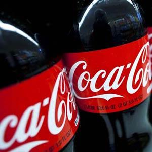 Las ganancias de Coca-Cola cayeron un 8% en el primer semestre del año