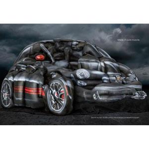 """Fiat lleva el concepto """"coche de mujeres"""" al máximo nivel reproduciendo el modelo Abarth con cuerpos femeninos"""