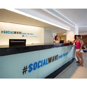 ¿Es fanático de Twitter y no desconecta de esta red social ni en vacaciones? @SolWaveHouse es su hotel