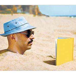 4 libros que no deben faltar en la maleta de profesionales y amantes del marketing este verano