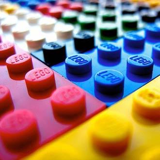 Lego busca una agencia de publicidad para una campaña de marca global