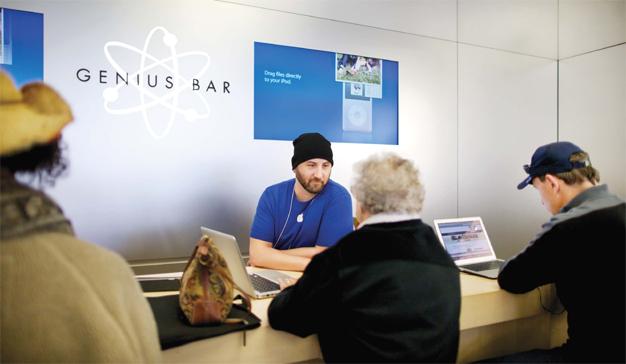 """Steve Jobs tildó en su día de """"idiota"""" el Genius Bar de las Apple Store"""