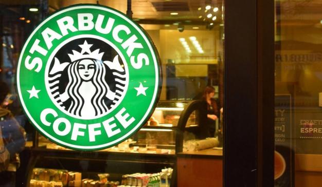 Starbucks se asocia con Ford para ordenar el pedido desde el vehículo