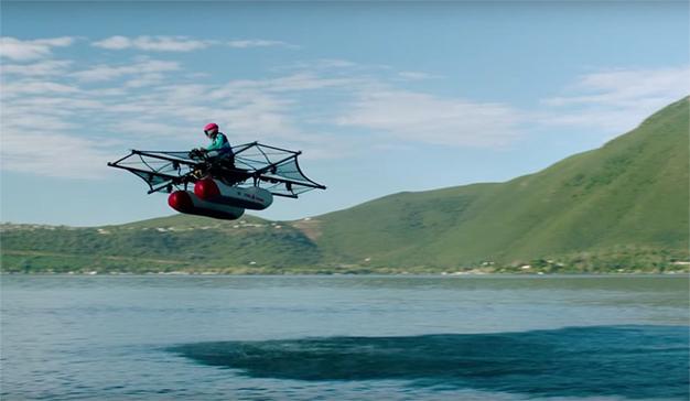 """Larry Page quiere emular a """"Los Supersónicos"""" y tiene ya su propio coche volador"""