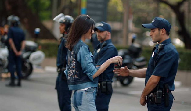 """Pepsi mete el spot de Kendall Jenner en el cajón de las """"pifias"""" publicitarias históricas"""