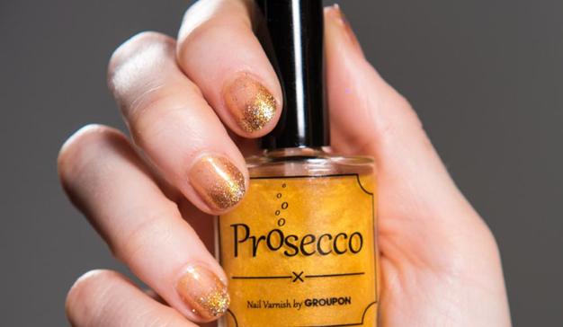 Groupon diseña un exclusivo esmalte de uñas con sabor a vino Prosecco como regalo para el Día de la Madre