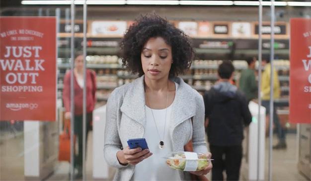 Los futuristas supermercados sin cajeros de Amazon ponen rumbo a Europa