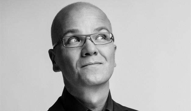 """""""Liderar es pensar en los consumidores, olvidarse del cargo y hacer lo correcto"""", T. Barta, experto en marketing leadership"""