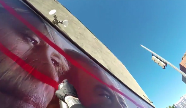 Netflix vandaliza sus propias vallas publicitarias para promocionar la serie House of Cards