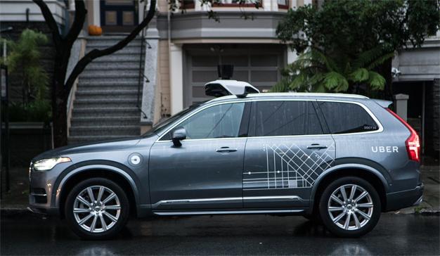 """Uber se subirá a bordo de 24.000 """"robotaxis"""" suministrados por Volvo"""