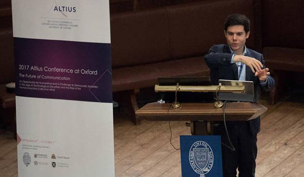"""Así es Álex Pérez, el joven cerebro en la sombra de las startups """"made in Spain"""""""