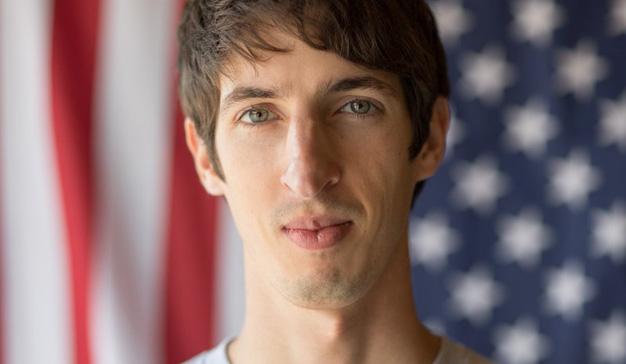 """Un ingeniero despedido de Google demanda a la compañía por """"discriminación al hombre blanco"""""""