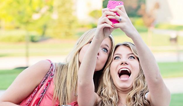 Cómo utilizar el mundo físico para ganar exposición en las redes sociales
