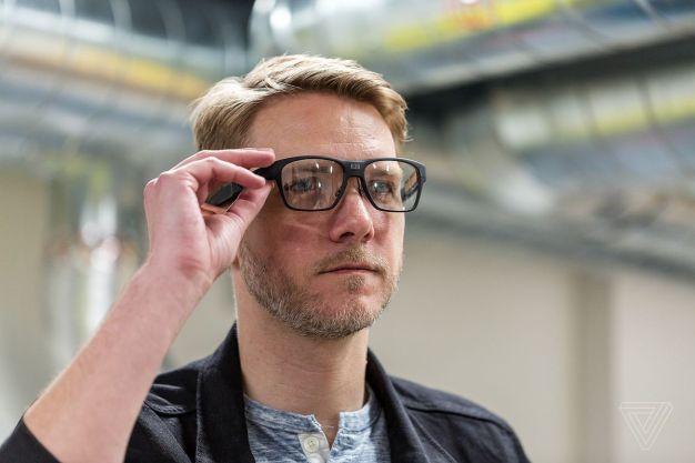 Intel une tecnología y diseño en Vaunt, sus nuevas y prometedoras gafas inteligentes