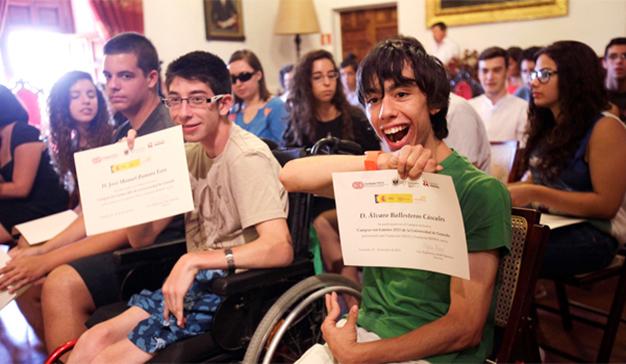 Fundación Adecco y Cadagua convocan becas para ayudar a jóvenes con discapacidad
