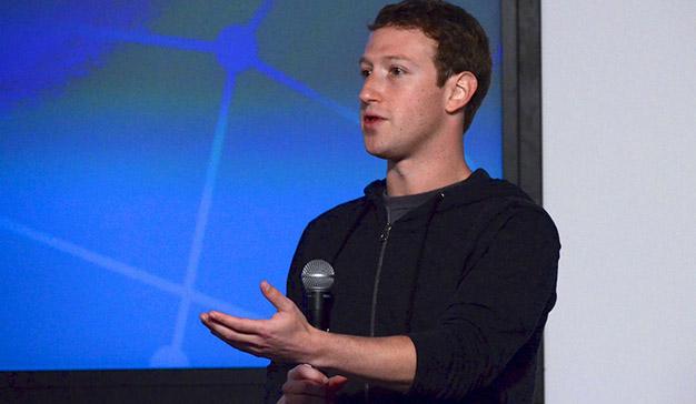 Zuckerberg admite su responsabilidad ante la filtración de datos de los usuarios de Facebook