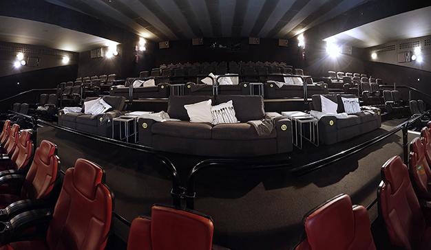 IKEA llevará el sofá de casa al cine este mes de mayo