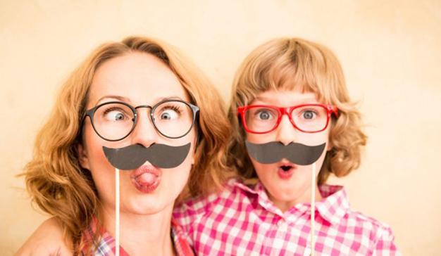 14 realistas anuncios para celebrar con humor a la madre que le parió este Día de la Madre