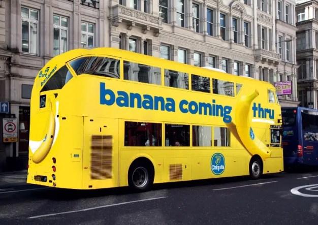 """En esta ingeniosa campaña los taxis se pagan """"banana en mano"""""""