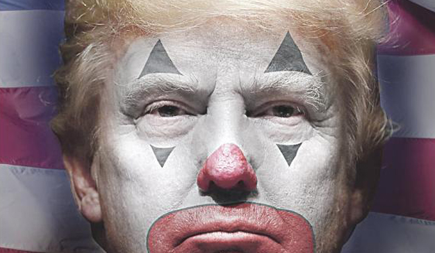 """Donald Trump, """"el payaso que juega a ser rey"""", protagoniza el Daily News el 4 de julio"""