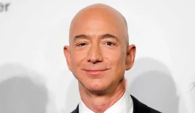 Amazon, a punto de batir un nuevo récord bursátil: la compañía roza el billón de dólares