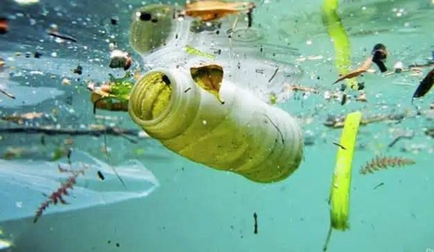 Las marcas le declaran la guerra a los plásticos pero, ¿es solo