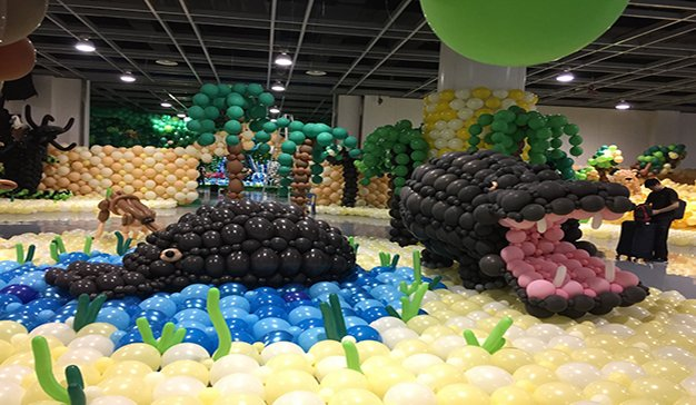 Record del mundo a la mayor decoración con globos jamas realizada. Xiamen (China)