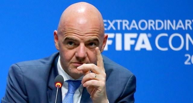 La FIFA le pone límites a los fichajes estratosféricos