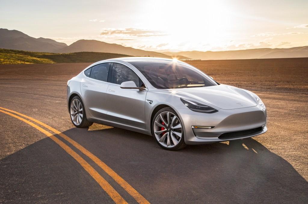 Tesla should utilize augmented reality to enable customization.