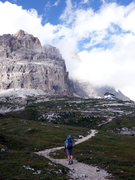 Approaching Rifugio Auronzo from the Val de Rinbianco