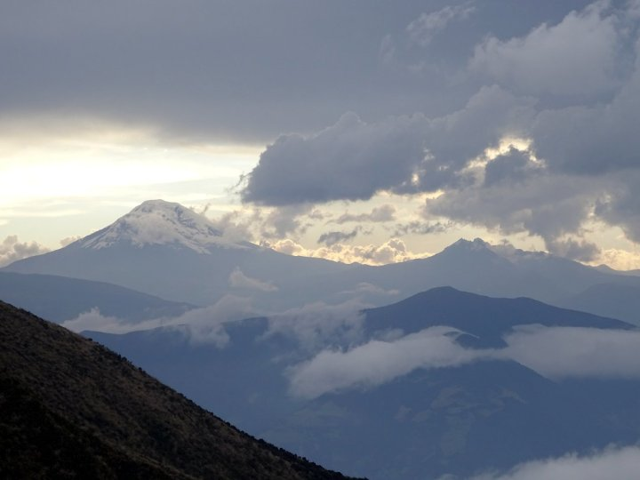 The outline of Chimborazo and Carihuairazo from the hut on Tungurahua