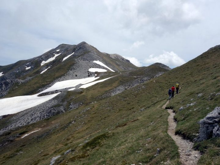 The approach to the summit of Monte Brancastello, with snow patches barring the way