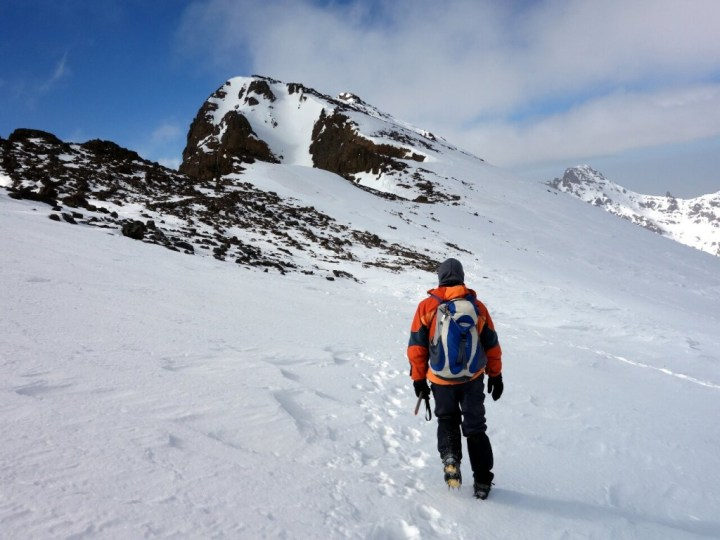 Traversing to Toubkal West from the col