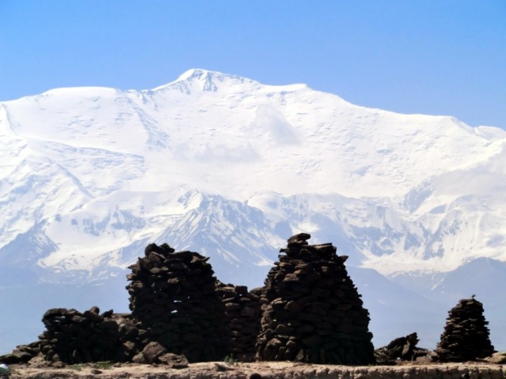 Peak Lenin from Sary Mogol (Photo: Nihongarden / Wikimedia Commons)