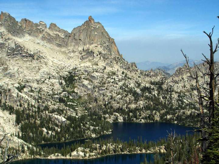 Baron Spire, a.k.a. Old Smoothie, perches (or perched) above Baron Lakes in the Sawtooth Mountains, Idaho (Photo: pnplibi / Flickr)