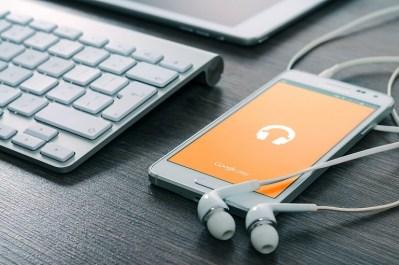 iPad Samsung music play Google courtesy of Pixabay