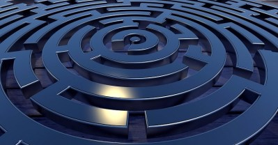 labyrinth target away conception courtesy of Pixabay