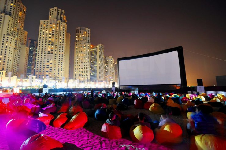 Enjoy Movie Under Star in Dubai Budget Trip
